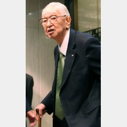 御年89歳…(C)日刊ゲンダイ
