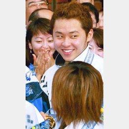 02年パンパシフィック水泳選手権でも金メダル(C)日刊ゲンダイ