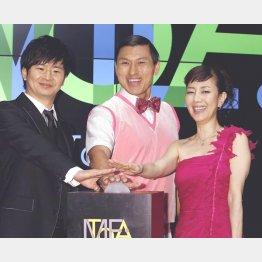 イベントに参加したオードリー(左)と戸田恵子