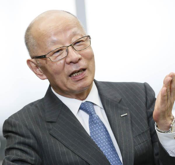 和崎信哉会長 71歳(C)日刊ゲンダイ