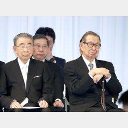 入社式には仲良く出席したが(左・鈴木会長と伊藤名誉会長)