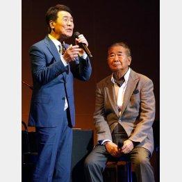 五木ひろし(左)の新曲を作詞した石原慎太郎氏