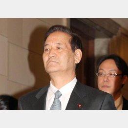 西川委員長は「答える立場にない」だって…(C)日刊ゲンダイ