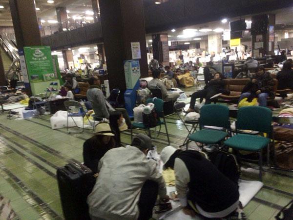 被災地では今も余震が襲う(C)日刊ゲンダイ