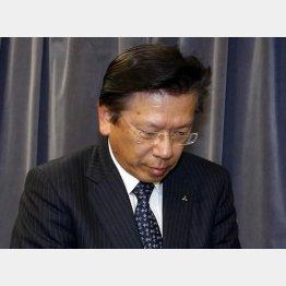 市場の関心は売却先(相川社長)/(C)日刊ゲンダイ