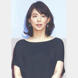 影のある未亡人を演じる石田ゆり子
