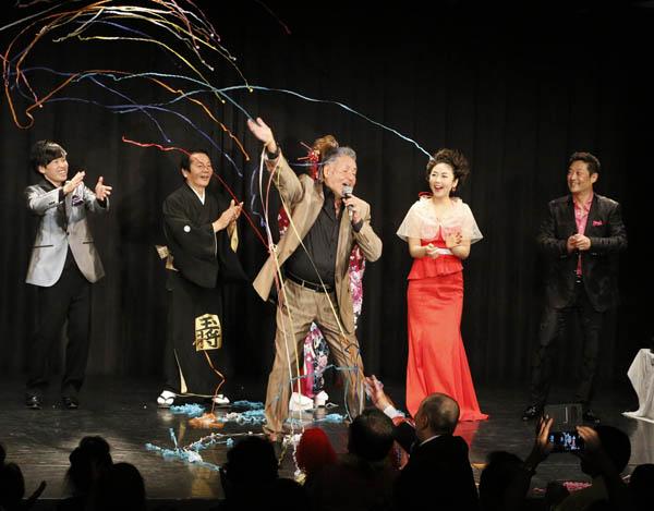 中村泰士さん自身もステージに(提供写真)