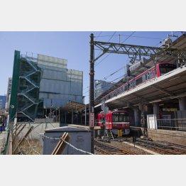 京浜急行線の川崎駅前(C)日刊ゲンダイ