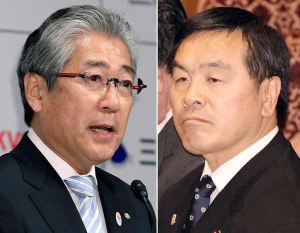 居直る2人(左からJOC竹田会長、馳文科相)/(C)日刊ゲンダイ