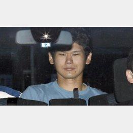 23日、送検される岩崎友宏容疑者