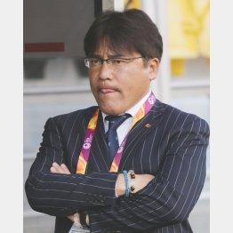 厳しい表情の手倉森監督(C)六川則夫/ラ・ストラーダ