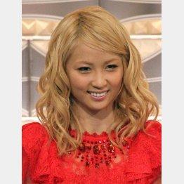 主題歌を歌う「E―girls」のAmi(C)日刊ゲンダイ