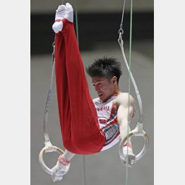 NHK杯での内村航平のつり輪演技