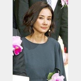 NHKドラマ「風のガーデン」で共演(C)日刊ゲンダイ