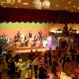 <第4回>生バンドとスポットライトのダンスホール
