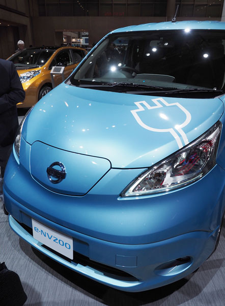 日産の電気自動車「e-NV200」/(C)日刊ゲンダイ