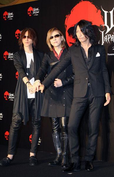左からSUGIZO、YOSHIKI、TAKURO(C)日刊ゲンダイ