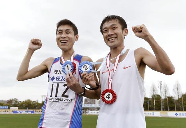 第71回びわ湖毎日マラソン大会での北島選手と石川選手(C)大内翔太/フォート・キシモト