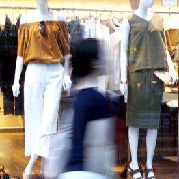 ブームの「リバイバルファッション」で子供は親を見直す