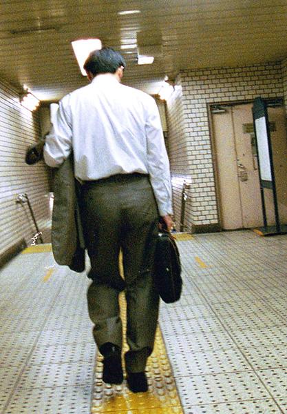 疲れはお盆過ぎにドッと押し寄せる(写真はイメージ)/(C)日刊ゲンダイ