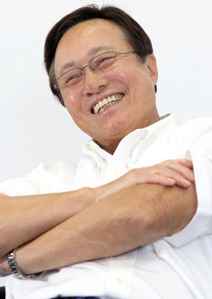 釜本邦茂さんは鶏ガラスープで頑丈な体に(C)日刊ゲンダイ