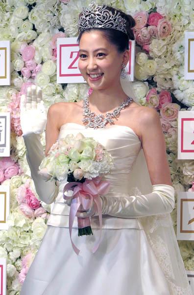 自身の結婚式プランを披露(C)日刊ゲンダイ