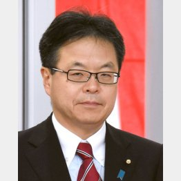 ノーベル賞を取った山中教授は高校の同級生(C)日刊ゲンダイ
