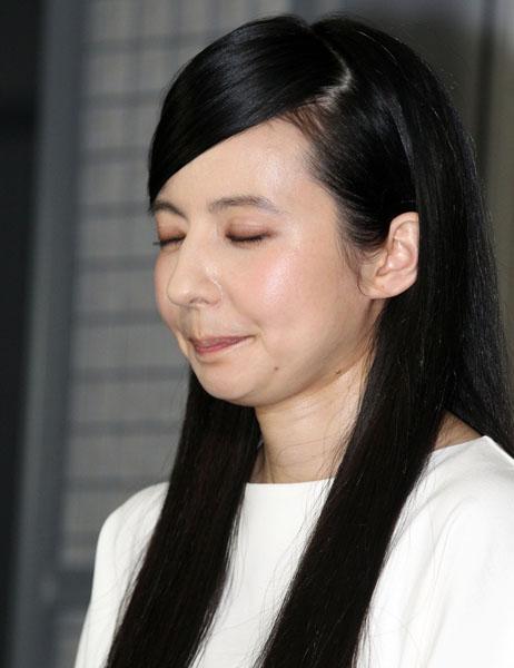 """ベッキーはいまだ""""開店休業中""""(C)日刊ゲンダイ"""