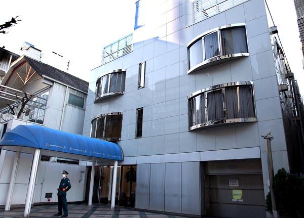 SMAPの年末解散を発表したジャニーズ事務所(C)日刊ゲンダイ