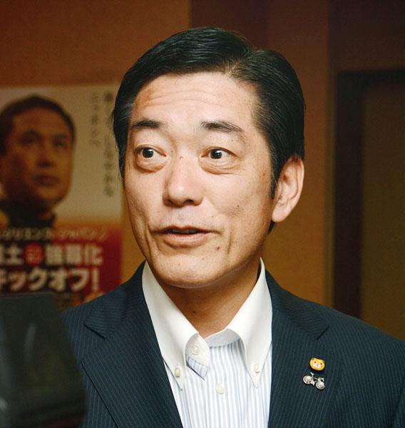 再稼働にゴーサインを出した中村愛媛県知事(C)日刊ゲンダイ