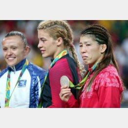 銀メダルを手にしても涙が止まらなかった(C)真野慎也/JMPA