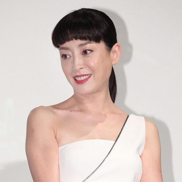 謎めいた女を演じる宮沢りえ(C)日刊ゲンダイ