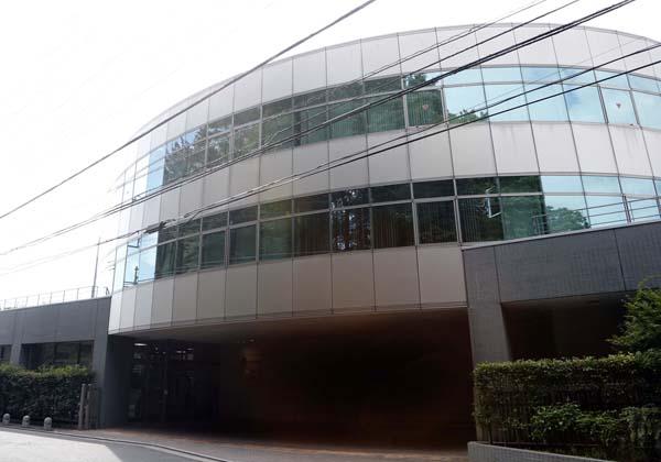 フレンテ本社ビル(C)日刊ゲンダイ