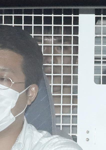 24日の午前、前橋地検に移送された高畑容疑者(C)日刊ゲンダイ