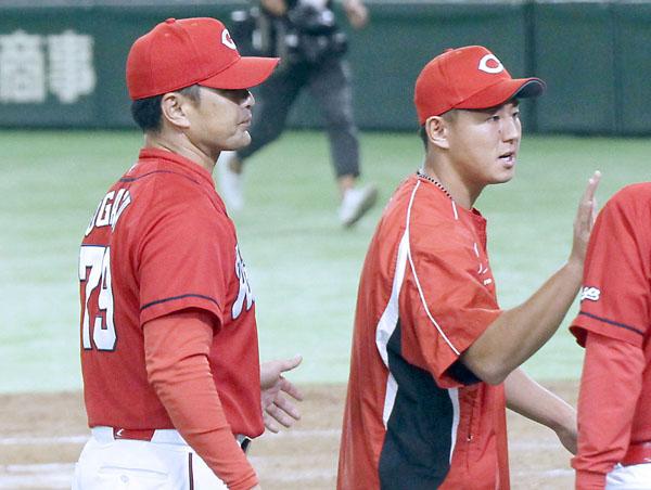 指揮官(左)の出番だ(C)日刊ゲンダイ