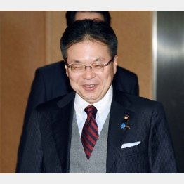 世耕経済産業大臣が兼務(C)日刊ゲンダイ