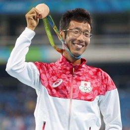銅メダルを獲得した荒井