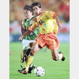 96年ナビスコ杯決勝で清水はV川崎を破って優勝(右が筆者)(C)六川則夫/ラ・ストラーダ