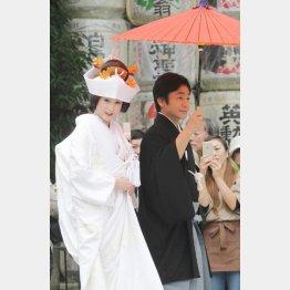 京都の上賀茂神社で挙式(C)日刊ゲンダイ
