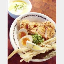 「二丁目つけめんGACHI」の『濃厚鶏塩つけ麺デラックス』(C)日刊ゲンダイ