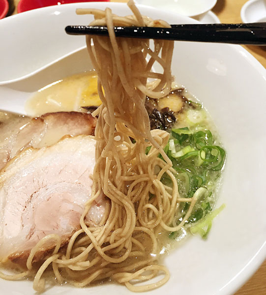 プラス150円で等質1/2のヘルシー麺に(C)日刊ゲンダイ