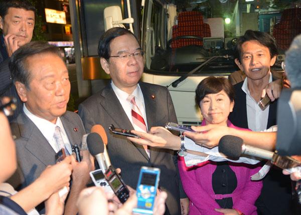 3野党が新潟県知事戦の応援、自主投票の民進から松野氏も駆けつけた(C)日刊ゲンダイ