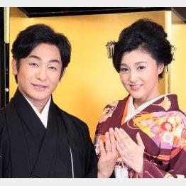紀香&愛之助は結婚式に5億円(C)日刊ゲンダイ