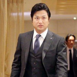 シーズン報告を行った高橋監督(C)日刊ゲンダイ