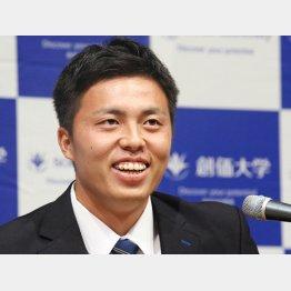 21日にはソフトバンクが田中正義に指名挨拶(C)日刊ゲンダイ
