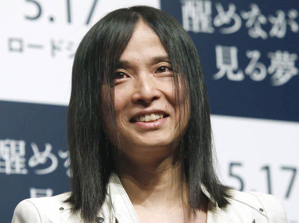 編集長に就任した辻仁成(C)日刊ゲンダイ