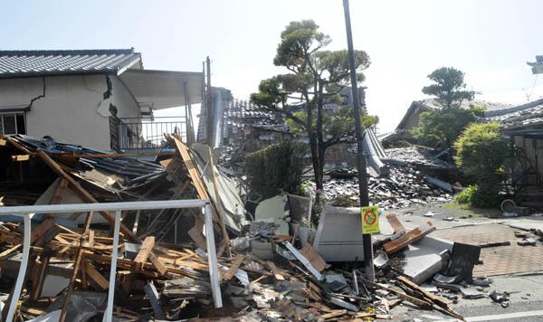 熊本地震も「横ずれ断層型」(C)日刊ゲンダイ