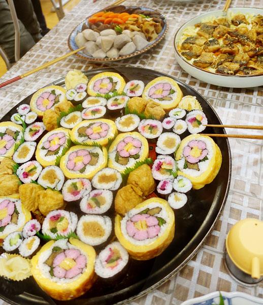 田舎寿司をはじめ、どれも絶品(くすの木)/(C)日刊ゲンダイ