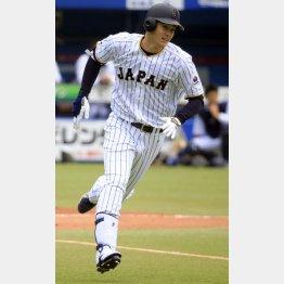 8日のシート打撃で三塁打を放った大谷(C)日刊ゲンダイ