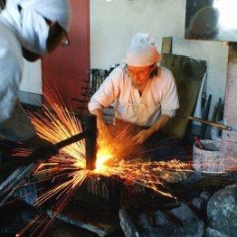 北海道で伝統紡ぐ刀鍛冶 製法の残らない「古刀」を再現